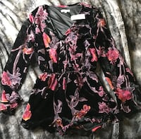 Pac Sun black and pink floral print romper. Never worn  Lafayette, 70506