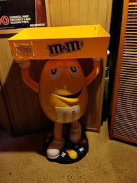 Big size m&m brand new for sale Manchester, 06040