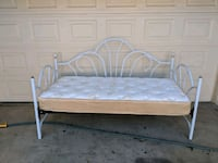 Day bed  Cathedral City, 92234