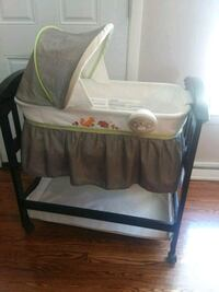 baby's bassinet Berkeley, 60163