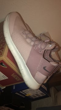 Particle Rose Wmns nike run Altoona, 50009