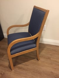 Chair - upholstered Grimsby, L3M 2B2