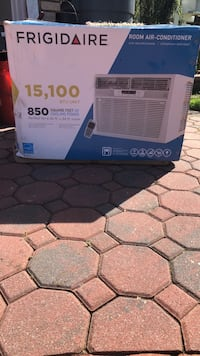 Frigidaire 15,100 BTU unit, 850 square feet. Perfect for 25ft.x34ft. Room Valley Stream, 11581