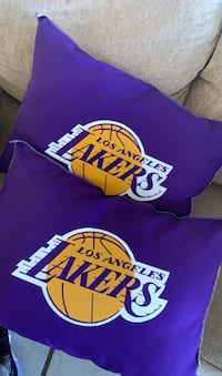 2 Lakers Pillows  Bakersfield, 93311