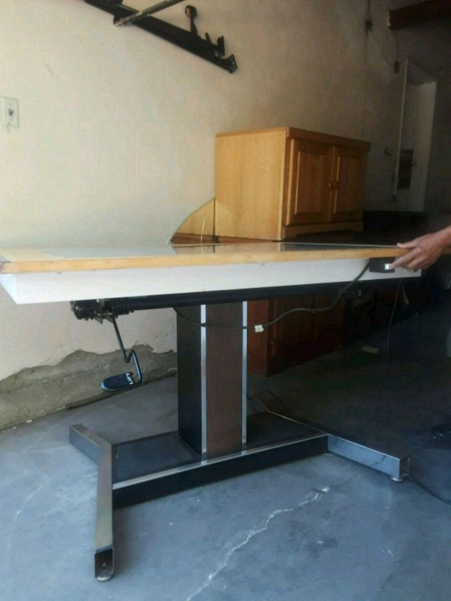 May Line Drafting Table Hydraulic With Light $900
