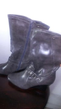 pair of black leather boots Chesapeake, 23324