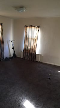 ROOM For rent in 3BR 2BA APT. Washington
