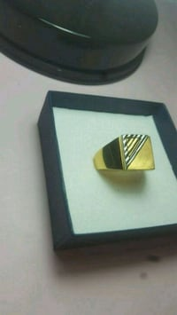 Gold ring Greater London, HA7 2HH