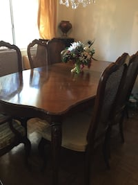 Thomasville Dining Room SET w/ Table Protectors & China Cabinet