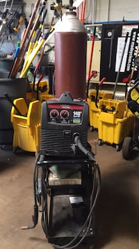 Lincoln Electric 110 Volt. 140 Weld Pack( included cart and 120 cubic foot cylinder) Elk Grove Village, 60007