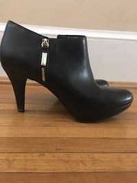 pair of black leather heeled boots Dunn Loring, 22027