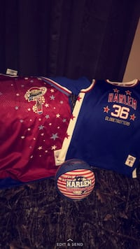 Harlem globetrotters collectors items and signed ball  Charleston, 25311