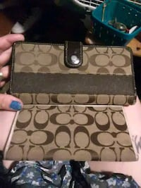 Coach wallet and check book holder Akron, 44306