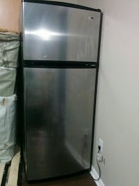 black top-mount refrigerator Ottawa, K2J