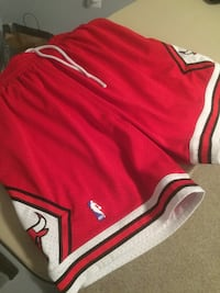 brand new rhrow back mitchell and ness bulls shorts size xl Rockville, 20850