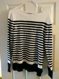 Womens Size Med Sweaters
