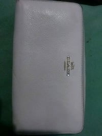 White coach wallet  New Orleans