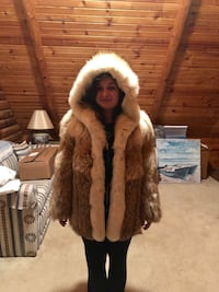 Brown and white fur coat Reisterstown, 21136