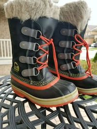 Sorel Winter Boots Girls Size 1 Brampton, L7C 0Z7