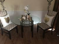 Dining table and 2 chairs Middletown, 22645