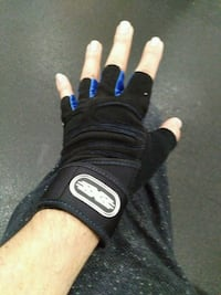 Brand New Black & Blue Weight Lifting Gloves Los Angeles, 90002