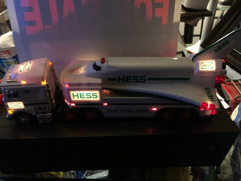 Hess collectibles- Truck & Space Shuttle 5