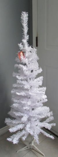 Brand new White 4 Feet Tall Artificial Christmas Tree W/ Stand