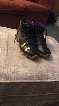 Under Armour Purple and Gold Spikes, Size 5.5 Parkside, 19015