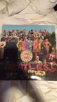 the beatles vinyl disc - Sgt Peppers original pressing - mono Toronto, M3B 1N2