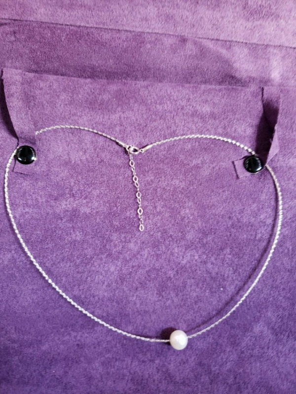 18k white gold and cultured pearl