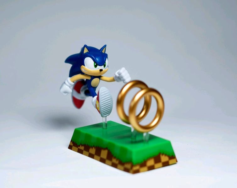 Sold Sonic The Hedgehog Figure Sonic And Rings In Daly City Letgo