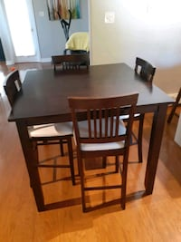 "41.5x41.5"" bar height  dining set 4 chairs include Halifax, B3H"
