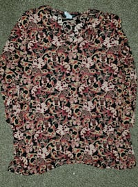 Ladies Floral Designed Dressy Top X-Large  Irving