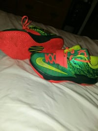Kd's size 8.5 Canton