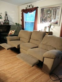 Electric Reclining Couch Zephyrhills, 33541
