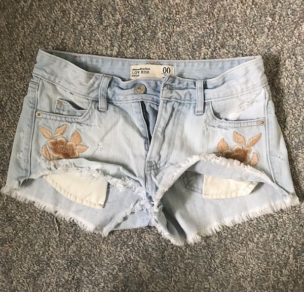 Abercrombie and Fitch shorts size 00