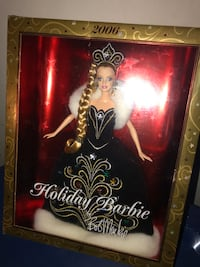 2006 Holiday Barbie Doll Hampton, 23666