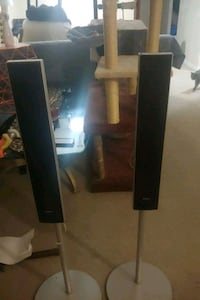 2 Sony tower speakers willing to sell seperate for 20  London