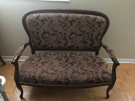 Love Seat, Excellent Condition!
