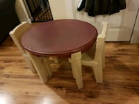 Kids table and chairs 3726 km