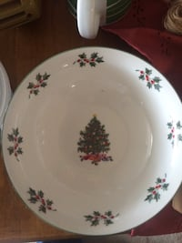 Christmas dishes 4 soup bowls 4 cups 4 plates 4 saucers all for $25.00 Frederica, 19962