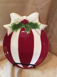 """CHRISTMAS PLATE, NICE HEAVY QUALITY, EXCELLENT CONDITION, PERFECT GIFT, 9"""" x 7 1/4"""" Piscataway Township, 08854"""