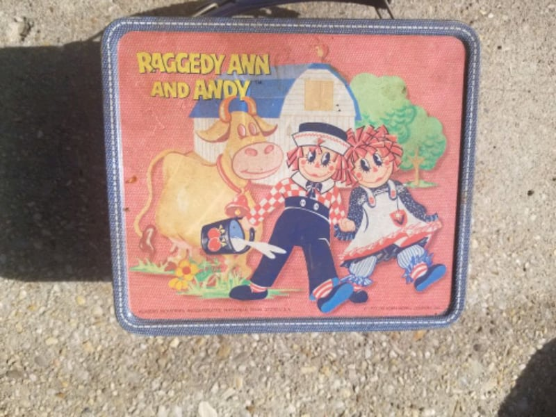 Vintage Ragedy Ann and Andy Lunch Box 03176f91-3a3f-48d5-a71d-16c26084c3aa