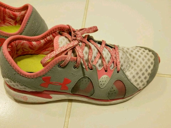 Women's size 8.5 gently used sneakers