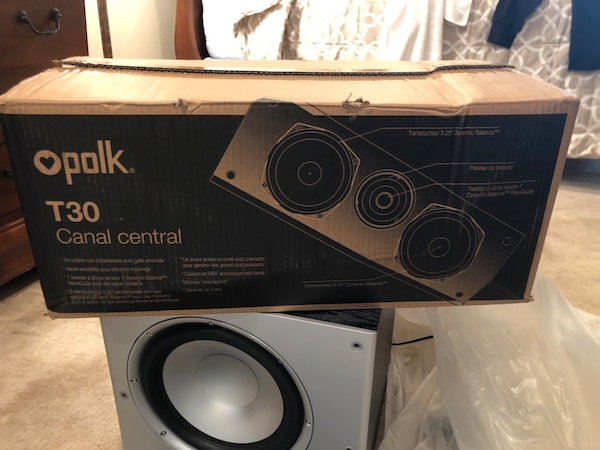Polk Subwoofer & Center c79555de-3162-43b0-a9ea-ab3728f1355b