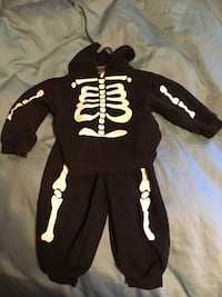 24 month Halloween costume skeleton bones no rips stains or tears Hagerstown, 21740