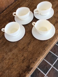 4 Silicone Cup Cake Bakeware Set