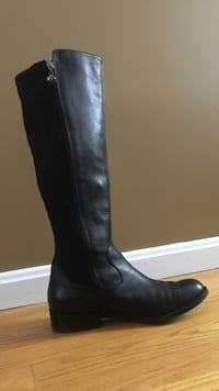 Tahari Black Leather knee high boots size 7.5