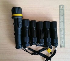LOT OF 6 LIGHTS PRICE FOR ALL FLASHLIGHTS LED