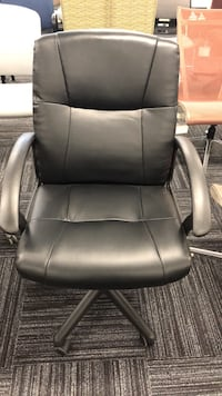 black leather office rolling chair Columbia, 21046